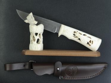 Нож Biven (Резная кость и рог) на подставке Птица