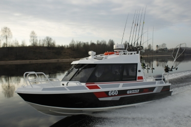 GRIZZLY PRO 660 Cabin